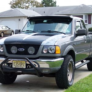 2000 Ranger 4x4 w/01 grille & lights.