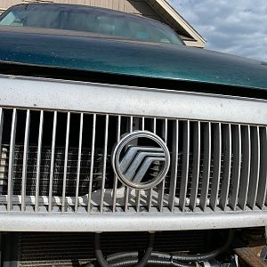 Mercury Mountaineer Grill 2