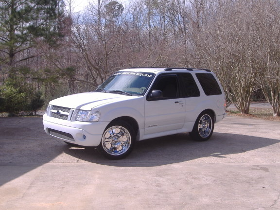 basically i am looking for this look on the front - Ford Explorer Sport 2001